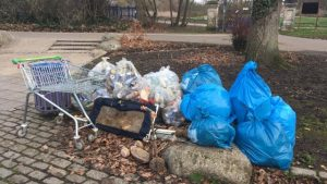 Litter picked in Victoria Park